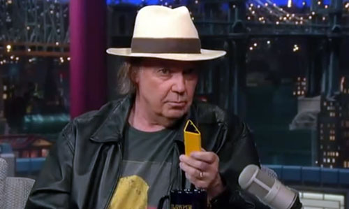 Neil Young mit pono player